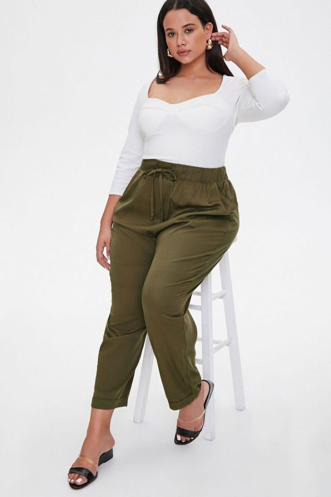THE PLUS SIZE TAPERED DRAWSTRING PANTS